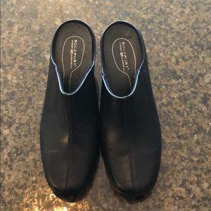 Rockport dynamic suspension slip on shoes